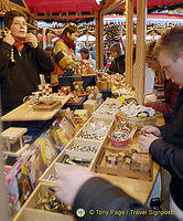 Wooden handicrafts at the Cologne Weihnachtsmarkt