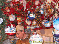 Handmade tinsels at the Cologne Christmas market