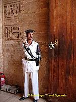 The Ankh that locks the gate to the Temple.
