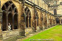 The cathedral was built from 1093 to 1274 and is an impressive Norman structure [Durham - England]f
