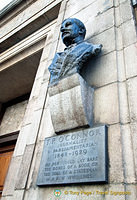 Memorial to T.P. O'Connor - journalist and parliamentarian