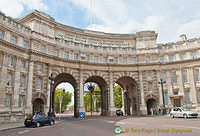 Admiralty Arch - Built in honour of Queen Victoria