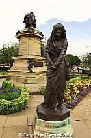Lady MacBeth in the gardens [Stratford-upon-Avon - England]