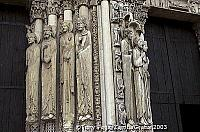 Elongated statues on the Royal Portal