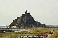 They can reach up to 10 km/h in Spring [Mont-St-Michel - France]