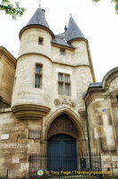 Turreted medieval gateway of the original Hôtel de Clisson at 58 rue des Archives