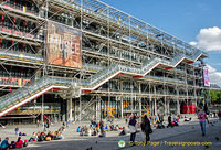 West facade of the Centre Pompidou with its escalators