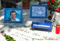 Gilbert Bécaud was famous as a singer, composer, pianist