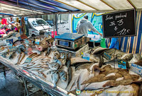 Sole, saint pierre, carrelet, dorade are some of the fish at Marché Président Wilson