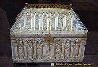 An exquisite ivory reliquary