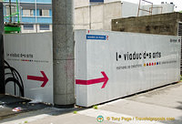 Direction to the Viaduc des Arts on Avenue Daumesnil