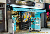 Jeff de Bruges - a chocolate franchise on rue Montorgueil