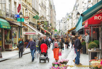 Locals and tourists in rue Montorgueil
