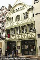 A subdued version of McDonald's - Rouen [Rouen - France]