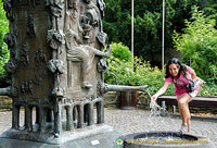 Doctorbrunnen shows scenes of the old legend about the Bernkastel Doctor