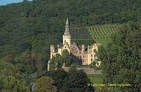 Arenfels Castle and its beautiful vineyard setting