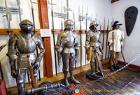 Marksburg Rüstkammer - Knights from the mid to end 1500s