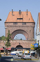 Holsten Tor, gateway to the Spessartbrücke