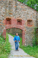 A medieval arch on way down from Veste Oberhaus