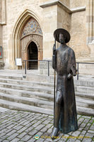 Pilgrim sculpture outside St Jakobskirche