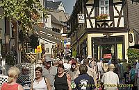 A very busy Rudesheim town