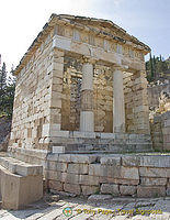 Delphi: the archaelogical site