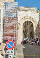 Assisi archway
