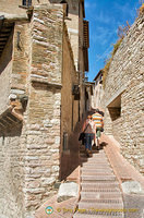 Narrow street of Assisi