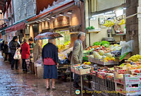 Shopping for food and vegetables in Bologna