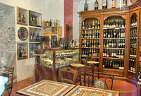 Enoteca Mondovino, a fine wine shop on Via S. Agostino
