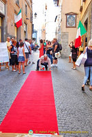 Red carpet treatment in Via del Duomo