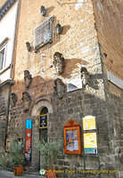 Entrance to the Torre del Moro