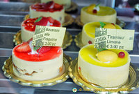 La Zagara was recommended as having great cakes. Just look at these.