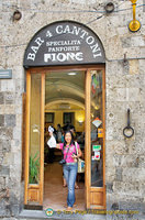 Bar 4 Cantoni was where I bought my Fiore panforte