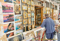 There's plenty of artwork for sale in Sorrento