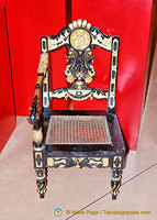 Exquisite gondola chair