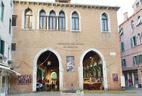 Entrance to the Mercato del Pesce