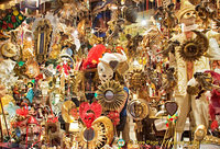 Venetian mask and souvenir shop