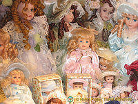 San Polo doll shop