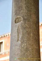 This pillar in front of the Chiesa San Giacomo di Rialto tells a legend