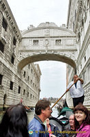 Cruising under the Bridge of Sighs