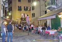 There are a few good restaurants around the Ponte del Megio