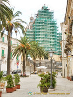View of the Duomo San Giorgio under wraps