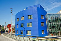 Guggenheim Bilbao: This nice blue building adds colour to the complex