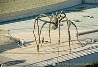 'Maman' the bronze cast spider