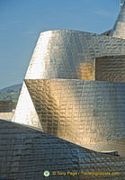 Guggenheim Bilbao: The reflective titanium panels are intended to look like fish scales