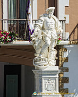 Statue of Elcano in Getaria
