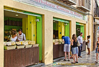 Herbolario Esencias de Granada - a fabulous herbal tea and essence shop