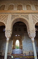 Palace of the Generalife: The ornate carving of the capital