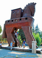 Trojan horse at Troy
